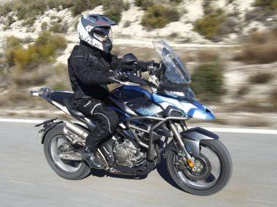 zontes-t-310-presentacion-accion-texto-motofichas